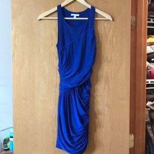 Soprano body con dress.